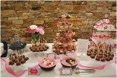 La mesa de dulces que preparamos en la Casa Grande La Solera para la boda de Genma y Marsel, A Coruña.