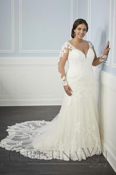 Cute Plus Size Long Sleeve Wedding Dress Inspirations Plus Size Long Sleeve Wedding Dress - This Cute Plus Size Long Sleeve Wedding Dress Inspirations gallery was upload on March, 16 2020 by admin. Plus Size Wedding Dresses With Sleeves, How To Dress For A Wedding, Plus Size Wedding Gowns, Princess Wedding Dresses, Dream Wedding Dresses, Curvy Dress, Moda Plus Size, Long Sleeve Wedding, Ball Dresses