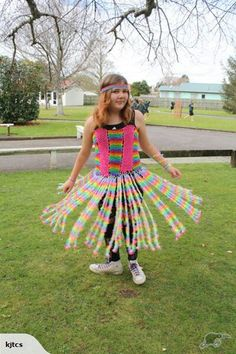 Very clever - Over 40, 000 Loom bands were used to make this dress for WOW (World of Wearable Arts) New Zealand. Well done :) P.S. for sale on www.trademe.co.nz Listing #: 783732441