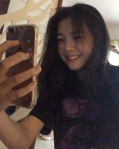 Ulzzang Korean Girl, Cute Korean Girl, Asian Girl, Girl Photo Poses, Girl Photos, Cute Baby Girl, Cute Girls, Filipina Girls, Girls Mirror