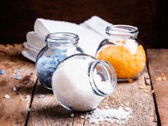 Whether oriental, fresh or fruity: These homemade bath salts bring you the spa feeling home! Disney Diy, Homemade Beauty Products, Beauty Recipe, Young Living Essential Oils, Bath Salts, Diy For Kids, Diy Beauty, Body Care, Relax