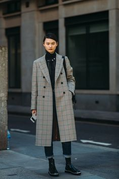 Forget About the Shows — London Fashion Week Was All About the Street Style Plaid Fashion, Tomboy Fashion, Green Fashion, Winter Fashion, Fashion Outfits, Vintage Fashion, Women's Fashion, Cool Girl Style, My Style