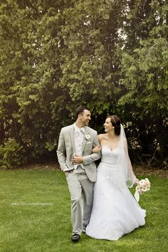 Beautiful wedding walk portrait with this charming couple! Chatham Kent, Blue Roses, Rose Design, Commercial Photography, Bridal Portraits, Weddingideas, Real Weddings, Wedding Photos, Maternity