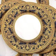 Set of 12 fine raised gold dinner plates, 1930 Royal Worcester, gold on cobalt blue
