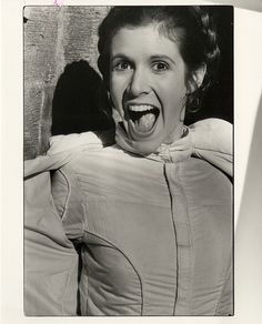 Unseen rare images from Carrie Fishers personal collection - Star Wars Archives Star Wars Film, Star Wars Fan Art, Carrie Fisher, Princesa Leia, Han And Leia, Star Wars Pictures, Debbie Reynolds, Cinema, The Empire Strikes Back