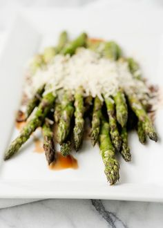 Grilled Asparagus with Balsamic and Parmesan - 15 Summer Grilling Recipes   GleamItUp