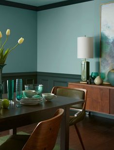 Inspiring Color Dining Room with Wonderful Ideas Interior Aura green dining room decor - Dining Room Decor Green Dining Room, Dining Room Paint Colors, Dining Room Art, Dining Room Design, Dining Decor, Painted Wainscoting, Dining Room Wainscoting, Wainscoting Styles, Wainscoting Height