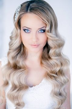 hair down wedding hairstyles, wedding hairstyles for long hair - wavy bridal hairstyle