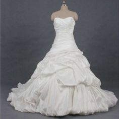$176.16 Delicate Ruffles and Lace Up Design Sweetheart Neck Wedding Dress For Bride ~Love this one!