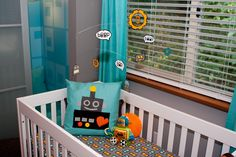 Robot Mobile for Nursery - #nurserydecor #robot