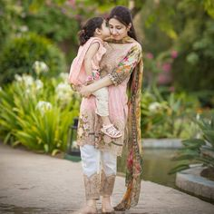 Mommy Daughter Dresses, Mother Daughter Pictures, Mother Daughter Dresses Matching, Mother Daughter Fashion, Mother Daughters, Mothers, Pakistani Fashion Casual, Stylish Girls Photos, Teen Girl Outfits