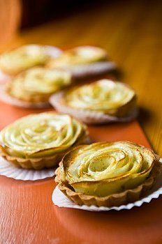 Beautiful rose apple pie on Sunnymeals.com More picture, cooking tips, recipes...