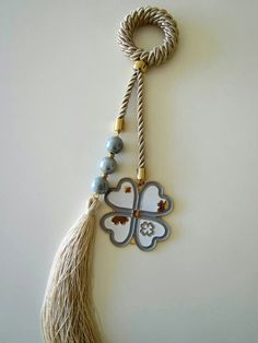Γούρια Lucky Charm, Xmas Decorations, Paracord, Handicraft, Tassel Necklace, Biscuits, Diy And Crafts, Victorian, Charmed