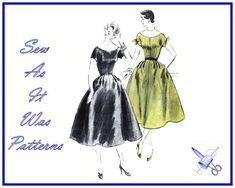 1950s Vogue 8118 Flared Skirt Dress Scoop Neckline Short