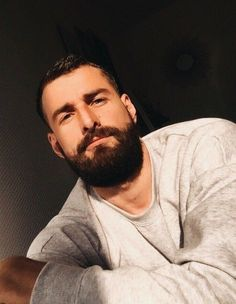Great Beards, Awesome Beards, Beard Head, Hot Guys, Hot Men, Bedroom Eyes, Beard Lover, Hair And Beard Styles, Hair Styles