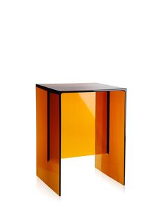 Kartell Laufen Max-Beam - Tabouret/table d& - amber Dining Table Design, Coffee Table Design, Coffee Tables, Table Cadeau, Walnut Table, Modern Side Table, Space Furniture, Innovation Design, Contemporary Furniture