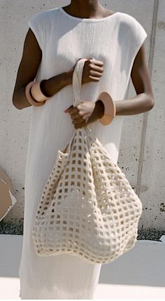 All White Party Outfits, Casual Outfits, Summer Outfits, Ol Fashion, Fashion Details, Fashion Dresses, Capsule Wardrobe, Crochet Market Bag, Crochet Bags