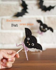 Halloween Bat Oreo Pops - How To
