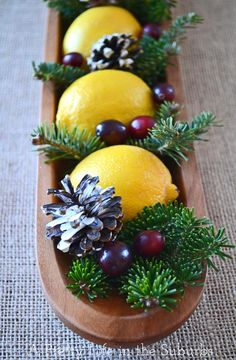 Lemon Christmas centerpiece - replace with pumpkins and fall foliage for Thanksgiving