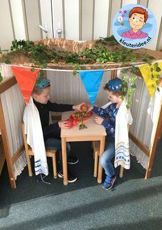 Loofhut bouwen in de klas, thema Israel, kleuteridee