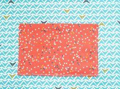 Simple DIY Fold Over Clutch Diy Denim Purse, Denim Bag, Purse Patterns, Sewing Patterns, Sewing Ideas, Handmade Leather Wallet, Easy Diy, Simple Diy, Recycled Denim