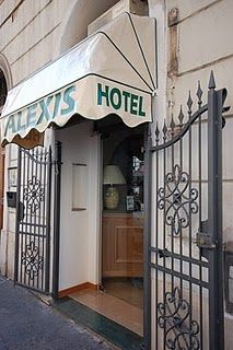 hotel alexis - Via Gaeta 27, Best rates in Rome, little hotel, lucky to find accommodation;  is located near the railway station Termini, walking distance to the major seightseeings.