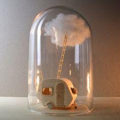 Cachette avec Cloud - sculpture Miniature de balsa et de coton