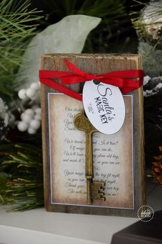 Santa's Magic Key I love this! ialready have 2 one for the front door and one for the back door, just in case Christmas 2014, Christmas Goodies, All Things Christmas, Winter Christmas, Christmas Ornaments, Christmas Decor, Celebrating Christmas, Merry Christmas, Holiday Decor