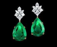 Emerald Earrings, Emerald Jewelry, High Jewelry, Jewelry Stores, Diamond Jewelry, Antique Jewelry, Vintage Jewelry, Diamond Tops, Traditional Earrings
