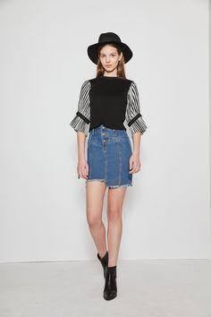 #AdoreWe Few Moda, Minimalistic Fashion Brands Online - Designer Few Moda Crew Neck Puffed Sleeve Top in Black TP1754 - AdoreWe.com