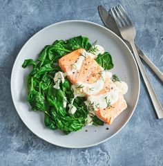 Lent, salmon recipes, easy salmon recipes, seafood recipes, healthy dinner, quick dinner, fast dinner, easy dinner, 15 minute dinner recipes, 15 minute recipes, 15 minute meals, Chanukah dinner recipes, 5 ingredient recipes, five ingredient recipes, five ingredient dinner ideas Easy Salmon Recipes, Fish Recipes, Seafood Recipes, Cooking Recipes, Easy Weeknight Meals, Easy Meals, Steamed Spinach, Fast Dinners, Pescatarian Recipes