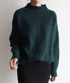 Minimalist Fashion - My Minimalist Living Looks Street Style, Looks Style, Style Me, Outfits Casual, Mode Outfits, Winter Outfits, Skirt Outfits, Winter Wear, Autumn Winter Fashion