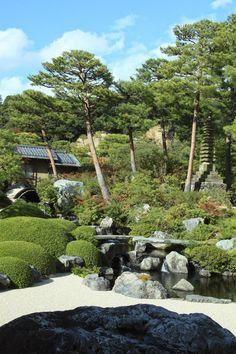 Yuichi Azuma via Google + Japanese Gardens, Japanese House, Garden Pool, Garden Landscaping, Adachi Museum, Tea Houses, Japanese Aesthetic, Garden Boxes, Ponds