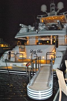 Aah, this is the life.Luxury yacht for easy going summers. Bateau Yacht, Buy A Boat, Yacht Broker, Yacht Interior, Luxury Interior, Interior Design, Luxury Decor, Luxury Furniture, Yacht Party