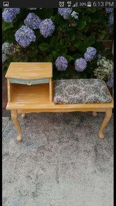 Cute litlle revamp of a phone table
