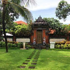 Balinese doors. // Nusa Dua. Iconosquare – Instagram webviewer