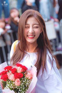 Lovelyz- Jeong #Yein