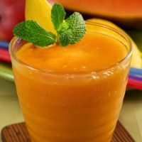"""Hawaiian-Mama Smoothie: Hawaiian papaya  It is also brimming with vitamin C, B vitamins and minerals. Traditionally, papaya is revered for its anti-inflammatory and immune system-strengthening properties. It is also a great ingredient to make baby food.    Avoid colds and strengthen your loved ones' hearts with this tropical smoothie."