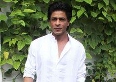 INJURED #SRK RESUMES SHOOT POST-ACCIDENT #fridaymoviez #HappyNewYear
