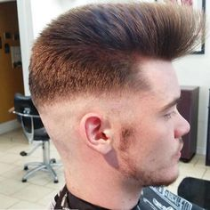 Great shape. #Repost @flattophaircut with @repostapp ・・・ 🇺🇸 #Repost @nickbiggs_art with @repostapp ・・・ Combined the skin faded pompadour with the flattoper quiff today. Love playing around with combining old and new techniques. Inspired by...