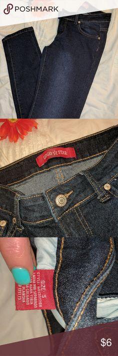 Dark Wash Skinny Jeans BNWOT Jeans Skinny