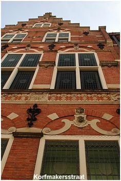 Walk along many historical streets, e.g. the Korfmakersstraat, Leeuwarden