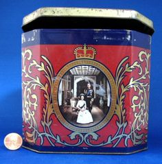 Tea Tin Queen Elizabeth II Silver Jubilee 1977 Ringtons Photo Red Black