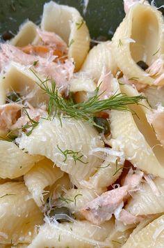 Dill Salmon, Salmon Pasta, Salmon Salad, Salmon Potato, Smoked Salmon, Seafood Dishes, Pasta Dishes, Seafood Recipes, Cooking Recipes