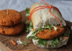 Vegetarian Recipes, Healthy Recipes, Good Food, Yummy Food, Vegan Burgers, Vegan Foods, Vegetable Dishes, Hamburger, Clean Eating
