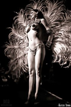 Dita with feathers