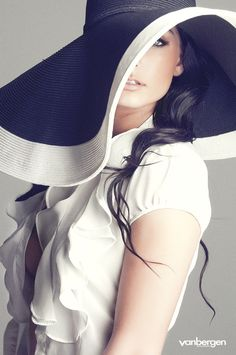 hats.quenalbertini: Black and white hat