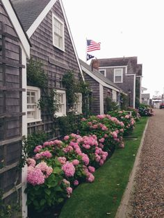 The Beach Cottage Nantucket Cottage, Nantucket Island, Beach Cottage Style, Nantucket Style, New England Homes, New England Style, Beautiful Homes, Beautiful Places, House Beautiful