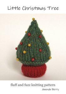 Christmas Tree FREE knitting pattern from Fluff & Fuzz