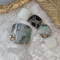 Fancy Nails Designs, Gel Nail Art Designs, Pedicure Designs, Pedicure Nail Art, Toe Nail Art, Nail Manicure, Pretty Toe Nails, Cute Toe Nails, Feet Nail Design